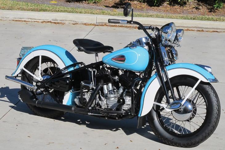 1940_Harley-Davidson_U_Flathead_-_01