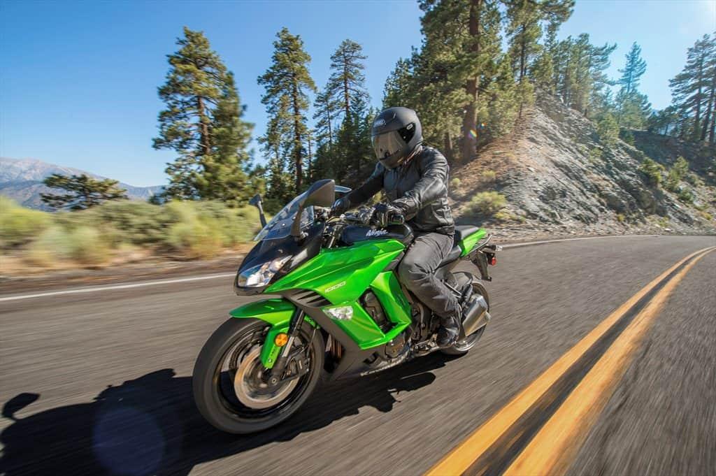 2015 Kawasaki_Ninja 1000 ABS_action_03.med