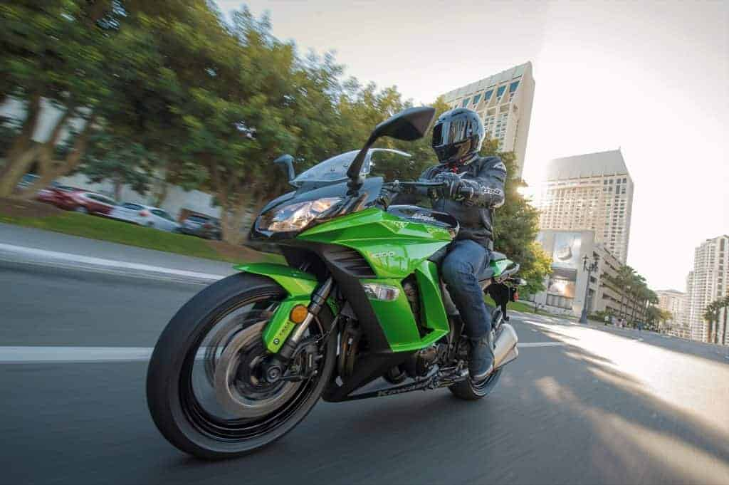 2015 Kawasaki_Ninja 1000 ABS_action_13.med