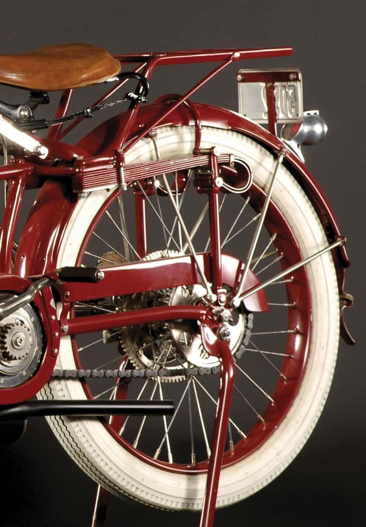 mc730-rear-1915_Indian