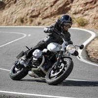P90203092_highRes_the-new-bmw-r-ninet-