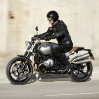 P90203117_highRes_the-new-bmw-r-ninet-